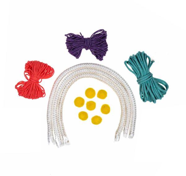 kolorowe sznurki z baśniowej paki